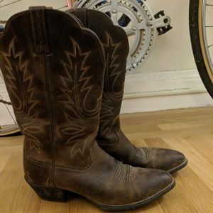 Women's Ariat Heritage R Toe Western Boots
